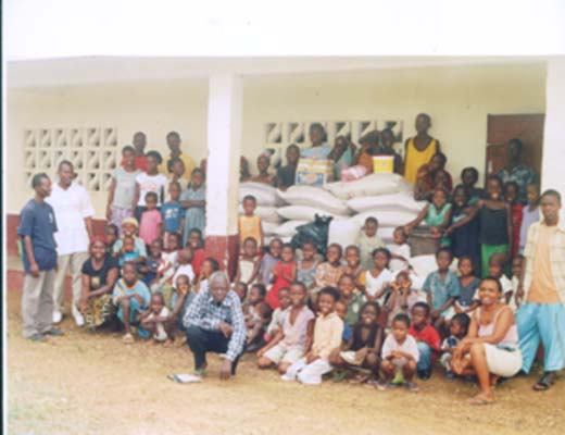 13.-Children-some-donated-Food
